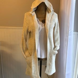 Abercrombie and Fitch cream cardigan size xs